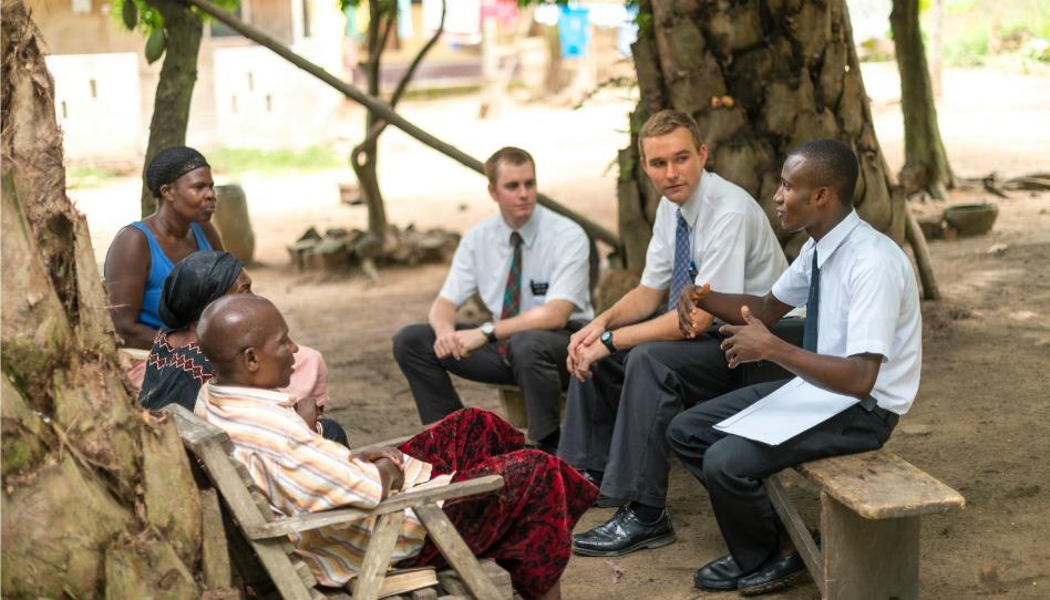 モルモン教の宣教師になれる年齢の変化と共にメディアを伝道に使用する試みが発表された