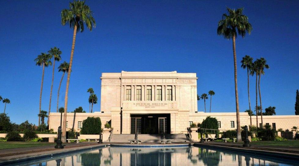モルモン教の神聖で美しい建物:神殿
