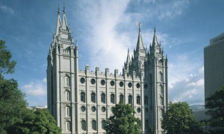 モルモン教の神殿での礼拝