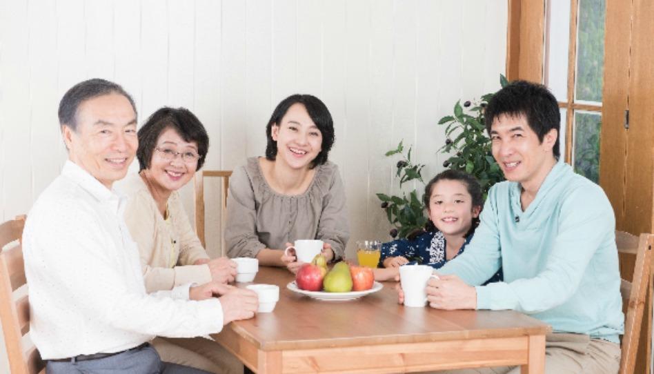家庭の夕べ:両親への祝福