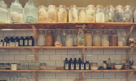 人々を鼓舞するモルモンの食糧貯蔵