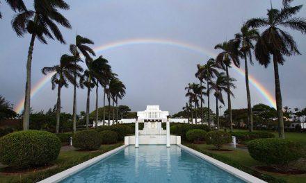 本当の話?真珠湾の操縦士がハワイ・ライエ神殿に爆弾を落とせなかった