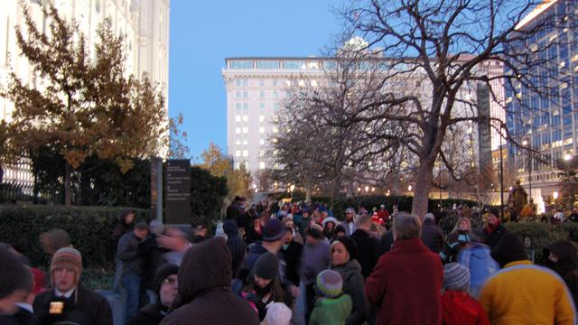 テンプルスクエアのクリスマスライトの点灯数分前