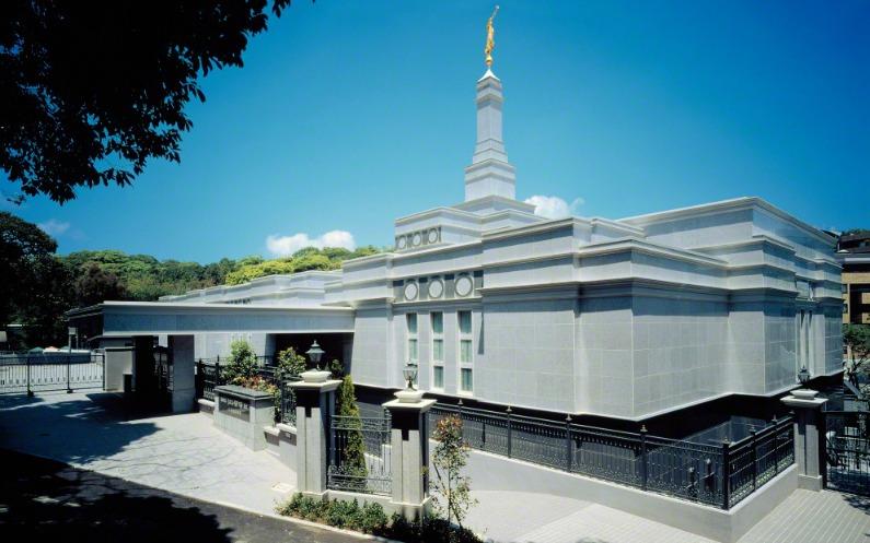神殿は家族を強める