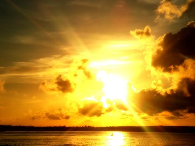 海と陽の光