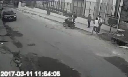 モルモン教の宣教師、銃を持った男から同僚と自分の命を守る