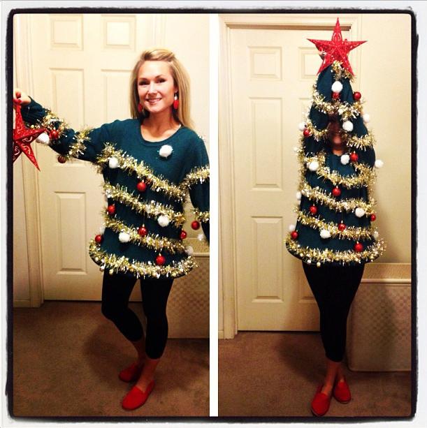 クリスマスセーターでクリスマスツリーを作る