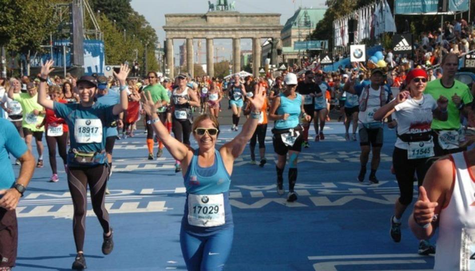 世界マラソンを走る体が不自由なランナーの証