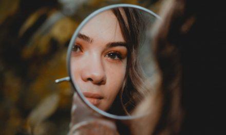 今日から自分の顔を好きになる6つの方法